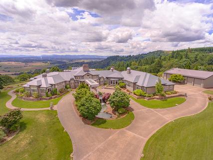 每日豪宅 | 风景如画的俄勒冈州葡萄酒乡庄园