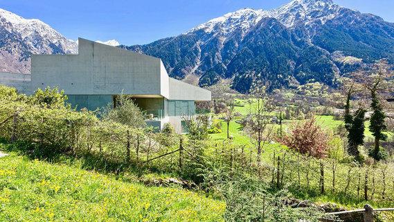 每日豪宅 | 瑞士山谷的经典现代设计别墅