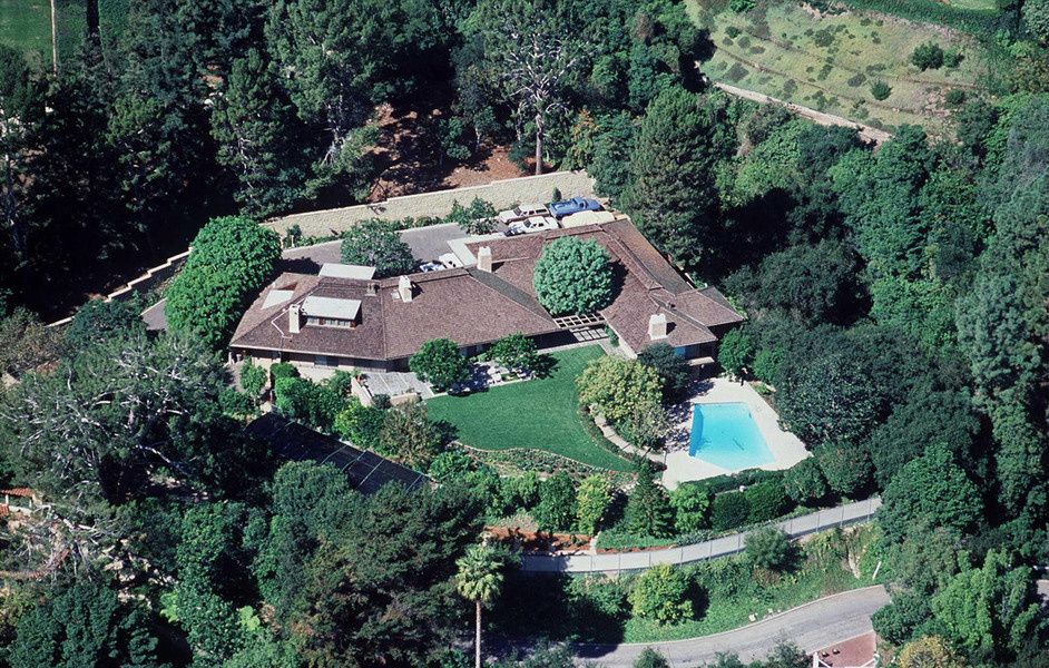 图为从空中俯瞰里根夫妇位于洛杉矶贝莱尔的庄园,拍摄于1991年。