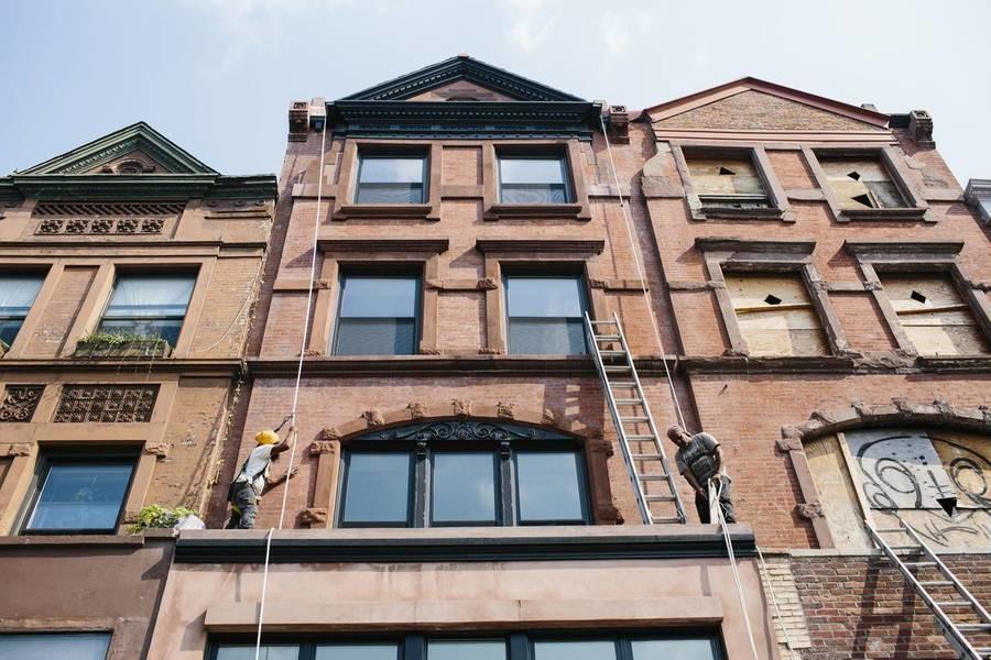 帕特森即将入住的位于哈莱姆区莱诺克斯大道的大楼。