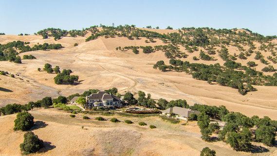 每日豪宅   投资角度灵活的加州北部辽阔牧场