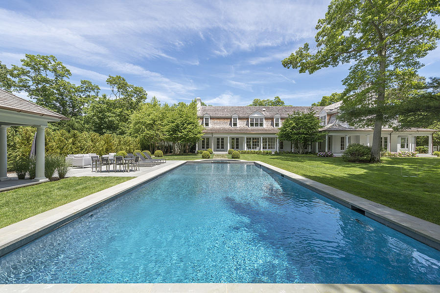 The East Hampton mansion asks $19,167 per night.