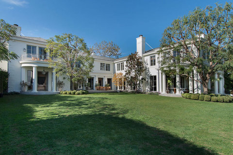L.A. Home of TV Mogul Sells for Record-Breaking $33.85M