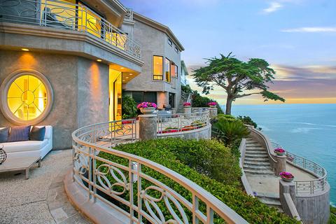 每日豪宅|居高临下的拉古纳海滩梦幻别墅